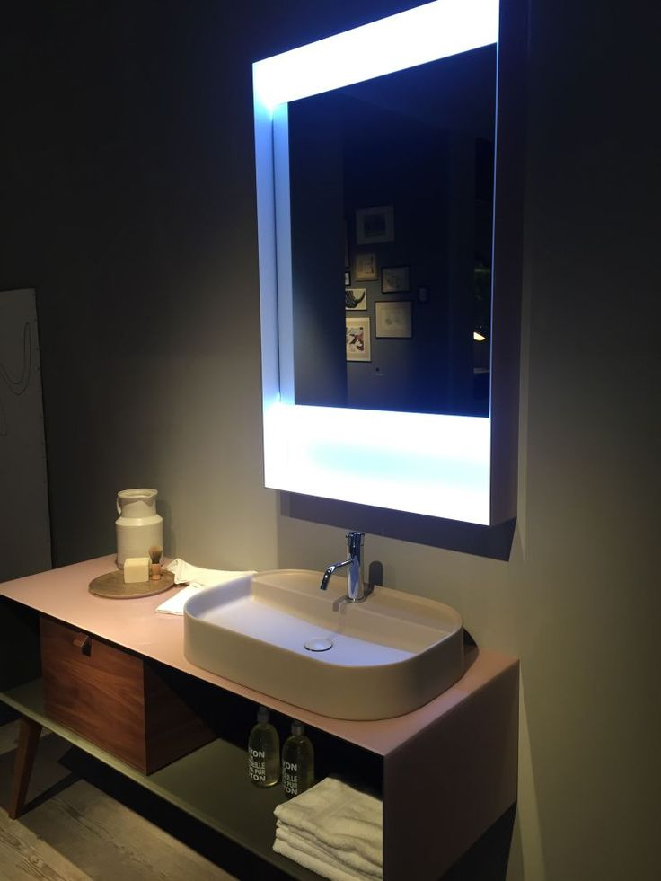 26-AD-Mid-century-inspired-bathroom-vanity