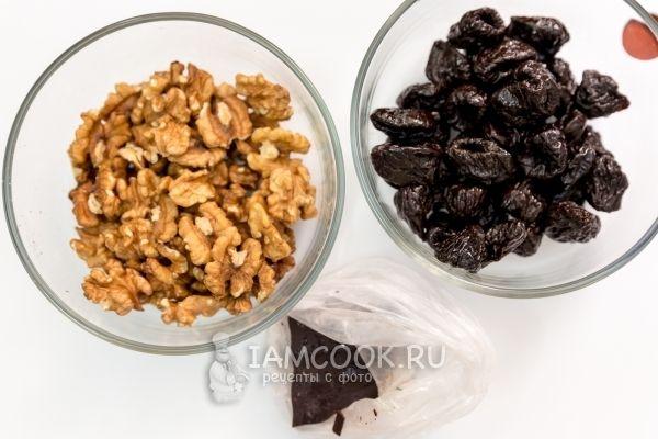 Ингредиенты для чернослива в шоколаде с коньяком