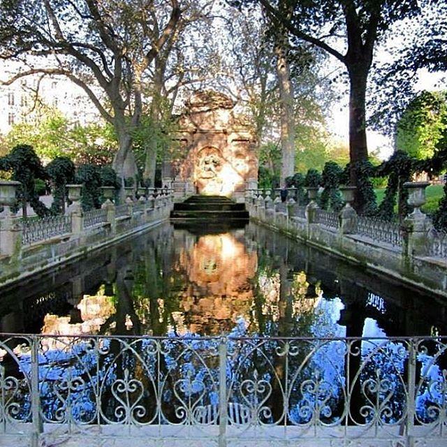 🇫🇷 #jardinduluxemburg #melbournelifelovetravel #paris #saintgermaindesprès #visitparis #jardin #gardens #beautiful #picturesque
