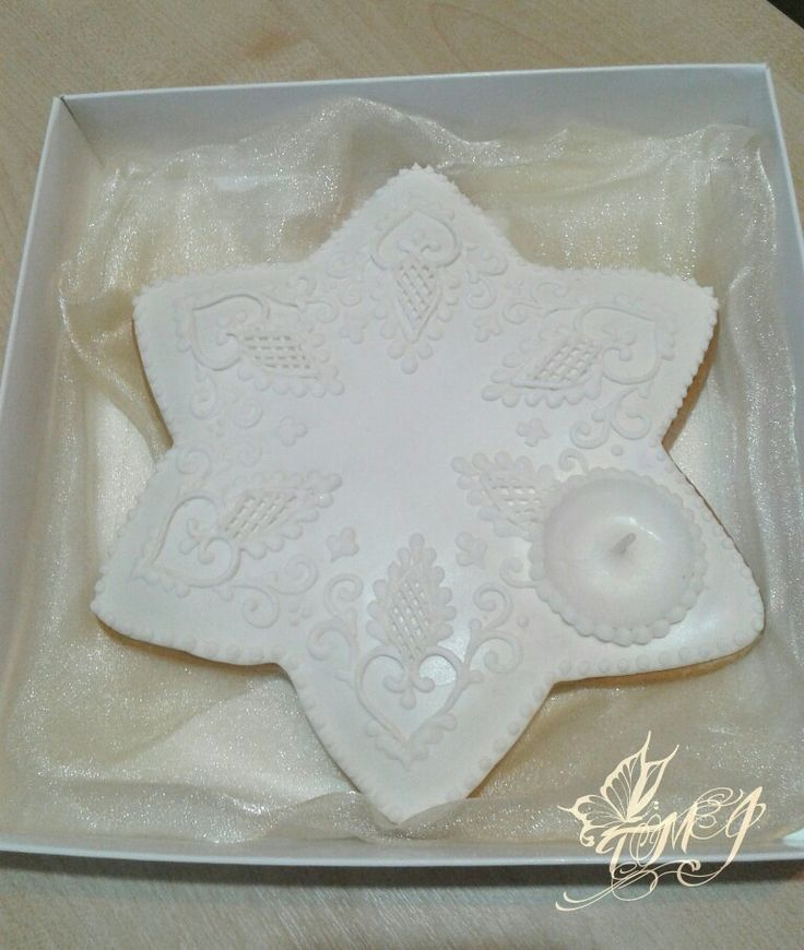 Snowwhite gingerbread cookie star tealight holder by TMJcreative.
