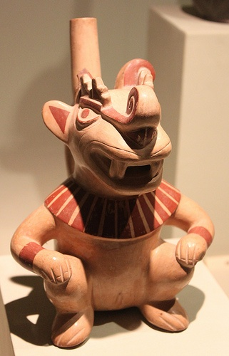 Moche sculptural stirrup spout bottle