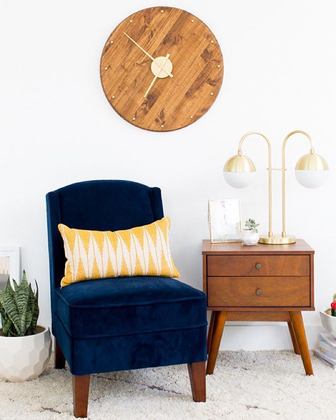 Tick, tock...make the most of your extra hour with this not-so-little DIY mid-century wall clock by @sugarandcloth. Learn more {& shop this space} via link in profile. #fallback #daylightsavings #diy #midcentury #lamp #rejuvespotted