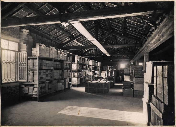 Nel 1931 Scuola internazionale di comics a Padova in via Castelfidardo 11 era una prestigiosa fabbrica di profumi e saponi: Cantele SpA.  Era bella allora ed è bella anche oggi!
