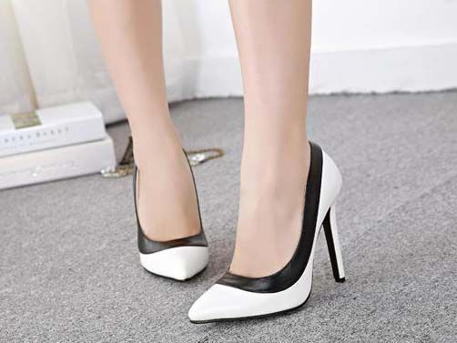 Kode : AWF-359, Nama : Pointed Formal Heels Black & White, Price : IDR 175