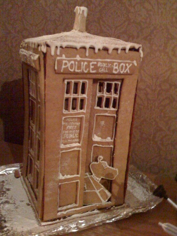 gingerbread house: Ginger Breads House, Doctorwho, Gingerbread Tardis, Doctors Who, Christmas, Gingerbread House, Cakes Wreck, Dr. Who, Tardis Cakes