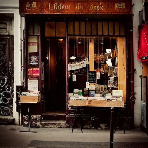 Buchladen in Pars // L'Odeur du Book - Paris bookstore  | by © Maren Becker