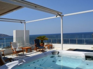 Luxury,Romantic and Waterfront Condo in Saronida,near Athens