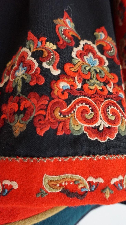 FINN – Nydelig Øst-Telemark bunad, komplett med jakke, belte, veske og skjorte