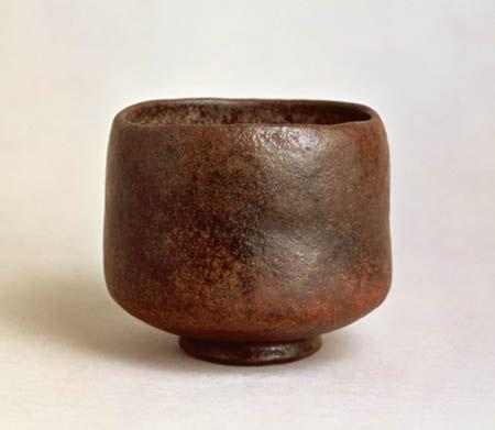 [Omote senke] utensils: Black Raku tea bowl; Kamuro.  [表千家不審菴]茶の湯の道具:長次郎作黒茶碗 禿(かむろ)