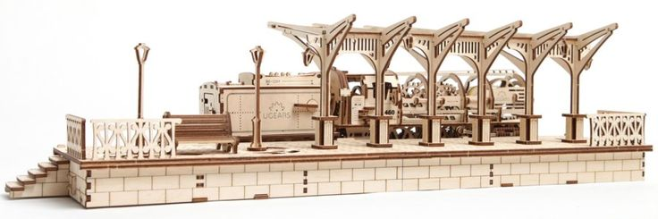 Ugears 3D mechanické puzzle Nádraží