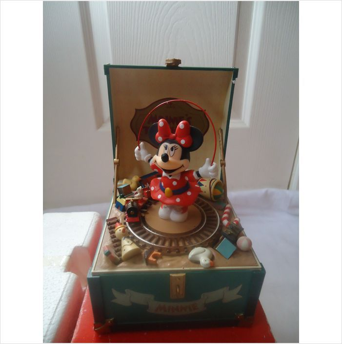 17 best images about music box on pinterest disney for Minnie mouse jewelry box