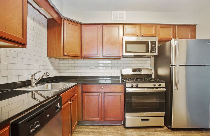 Love to entertain? Imagine all of the delicious dishes you could make in this kitchen! #ArriveNorthShore #Apartments #Highwood #Illinois