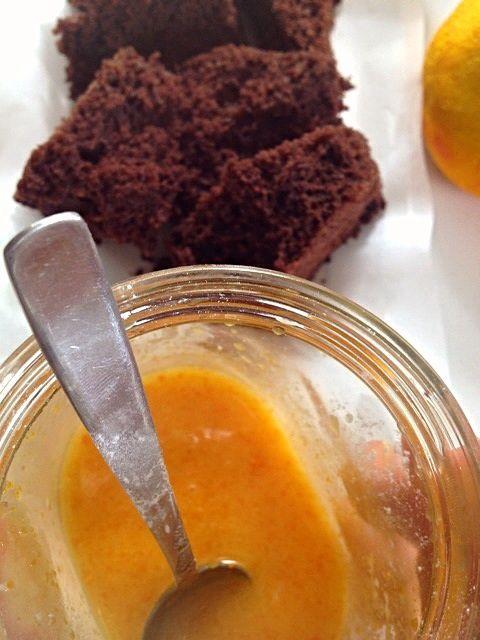 Torta cacao e zucchine al profumo d'arancia, SENZA GLUTINE, con glassa SENZA COLORANTI