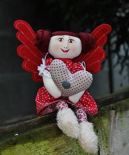 maramanufaktura / slečna Mara Anjelská /nesie lásku k Vám