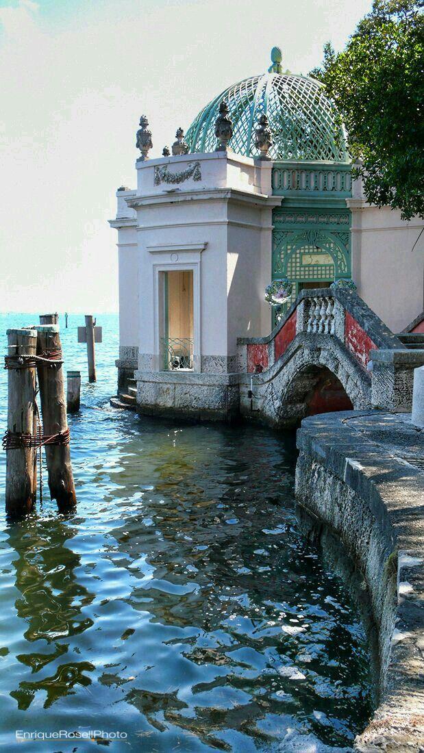 Gazebo facing Biscayne Bay..Villa Vizcaya,Miami,Florida.