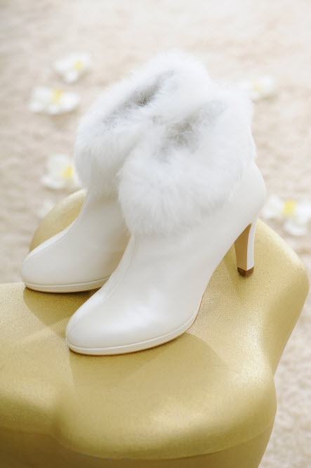 Bijzonder leuk onder je trouwjurk in deze koude winter: Drew, leren laarsjes van Nina Fiarucci