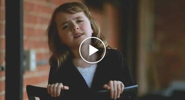 Menina De 10 Anos Canta Música De Adele e Deslumbra!!!! http://www.funco.biz/incrivel-menina-10-anos-canta-musica-de-adele-e-deslumbra/