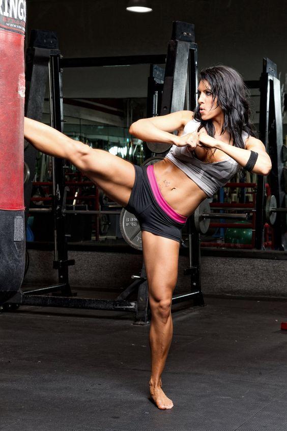 Sexy Oberschenkel :) #Oberschenkel #Quads #Beine #Knackpo #Knackarsch #Po #Booty #Fitnessmodel #Bikinimodel #Muskeln #Kickboxen #Thaiboxen