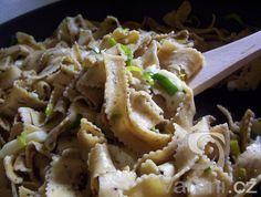 Těstoviny jako rychlý teplý oběd nebo večeře. Bez masa.