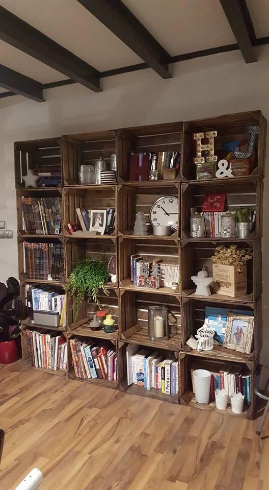 Belle bibliothèque/étagère! Merci Lna Capo ! :)