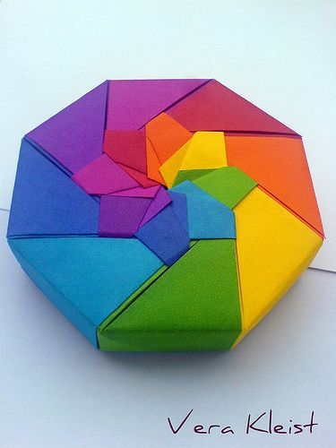 Origami Rainbow Box. Love the colors used.