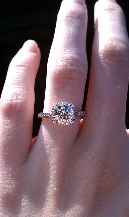 Tacori 2620 setting. Love this, but want an AVC diamond. ;D