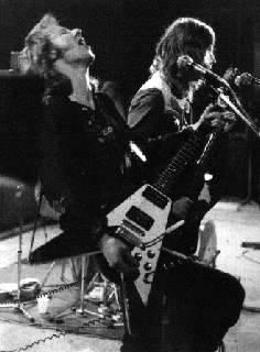 Wishbone Ash .... some guitar eh?