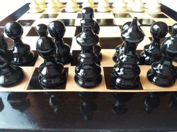 Nuovo pezzo degli scacchi legno nocciola bellissimo fatto a mano nero, faggio legno 26x26cm, 10 X 10 pollici scacchiera contenitore, set di scacchi in legno viaggio regalo migliore amico