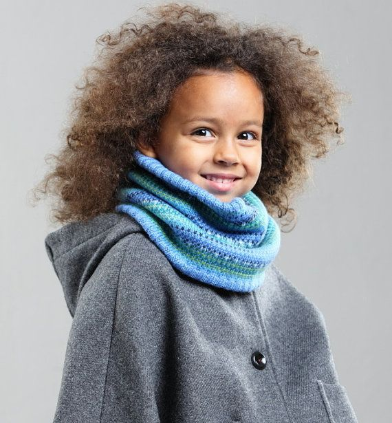 https://www.etsy.com/listing/247606841/kids-cowl-knitted-cowl-colorful-loop?ref=shop_home_active_1