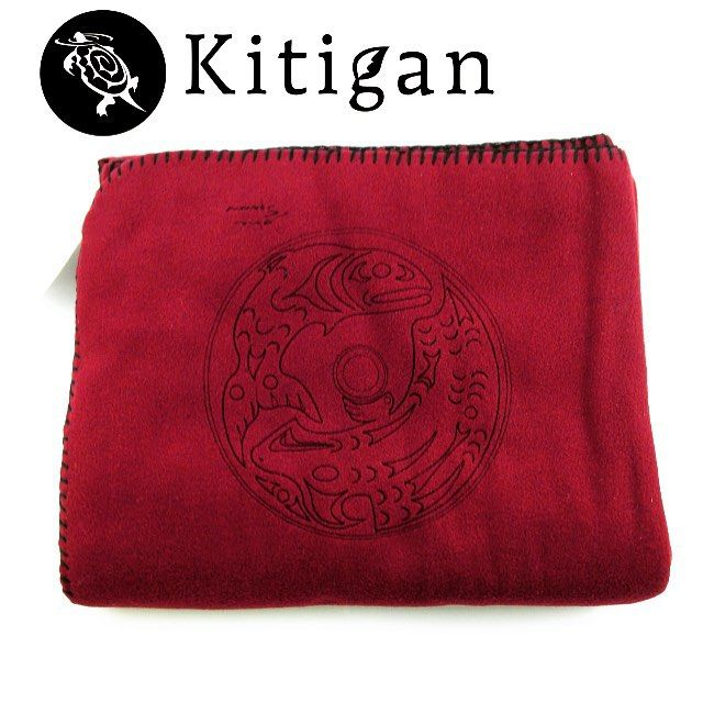 Get involved in our KANATA blanket ‪#‎giveaway‬ Join us on Instagram for the details!! Draw ends September 1st! @KITIGANART #GIVEAWAY all you gotta do is repost and like this image for your chance to win this warm KANATA blanket. Don't forget to tag us! Draw September 1st #blanket #essentials #gift #love #canada #nativeart #throw