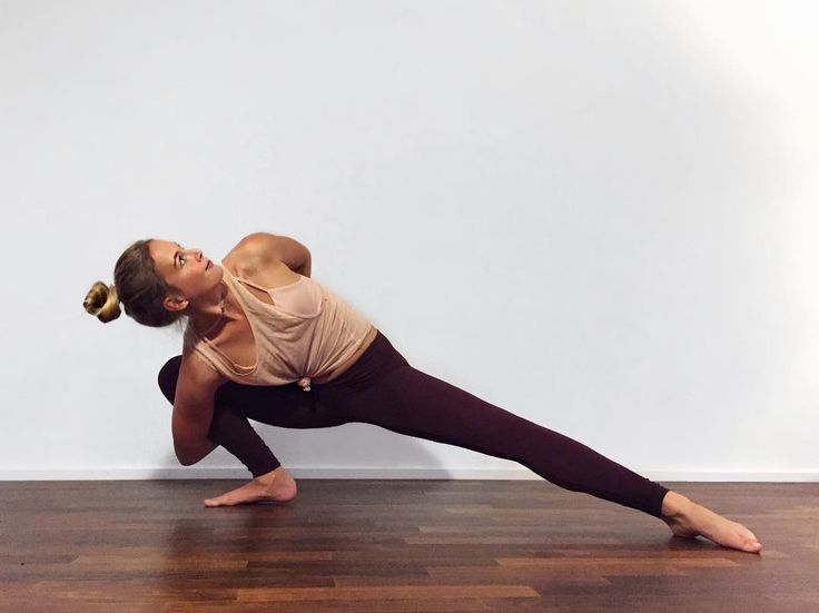 The Alo Yoga Airbrush Legging #yoga #yogainspiration