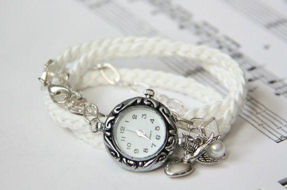 *Romantisk armbåndsur på flettet skinnreim http://epla.no/shops/LilliogLucas-smykk/