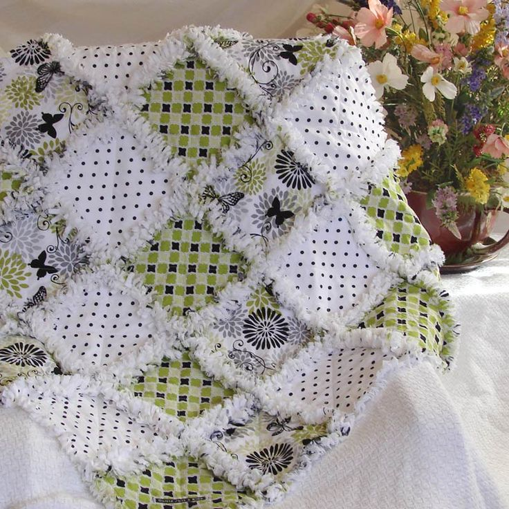 Rag Quilt Color Ideas : 25+ best ideas about Baby Rag Quilts on Pinterest Rag quilt, Rag quilt patterns and Flannel ...