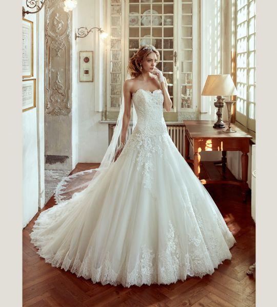 Vestidos de novia escote corazón 2017: 30 magníficos diseños que te harán soñar Image: 22