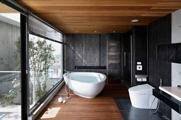 tub and floor and window