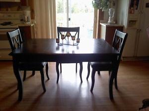 Mohongany Dining Table Kawartha Lakes Furniture For Sale Kijiji Kawartha Lakes Canada