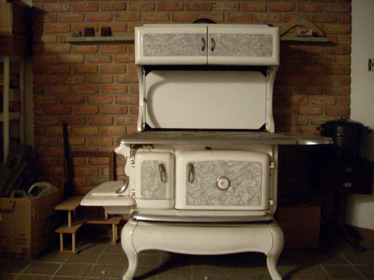 They Should Still Make All New Ovens Like This. Wood Burning Cook StoveWood  Burning StovesKitchen ...