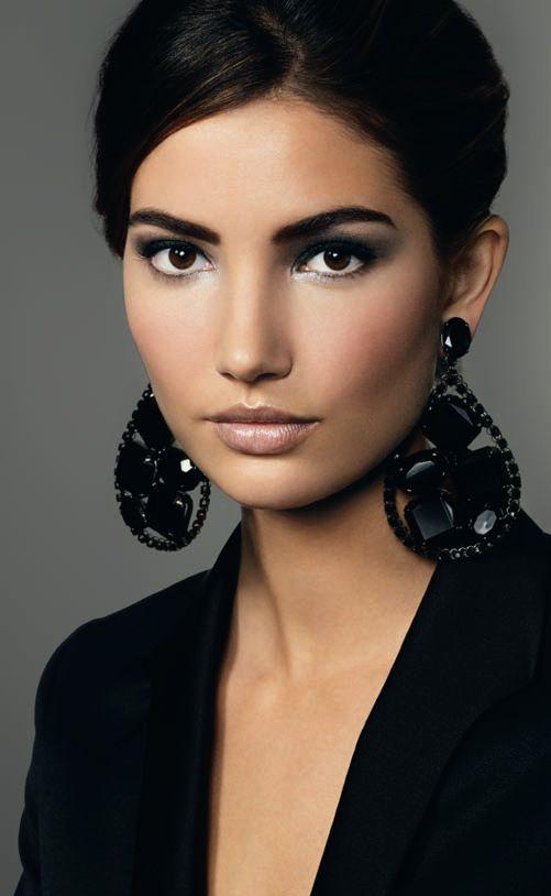 Gorgeous makeup. Bobbi Brown.                              …