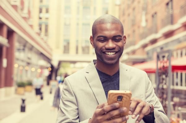When to Text Back after the First Date #dating #couple #text #relationship #communication #whatsapp #technology #love #date #flirt