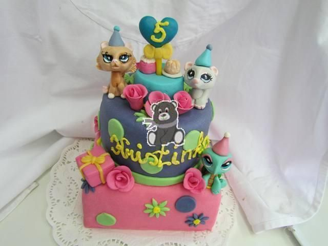 Dvoupatrový dort s Petshop | Fotogalerie | Sladký MÉĎA - cukrárna trošku jinak