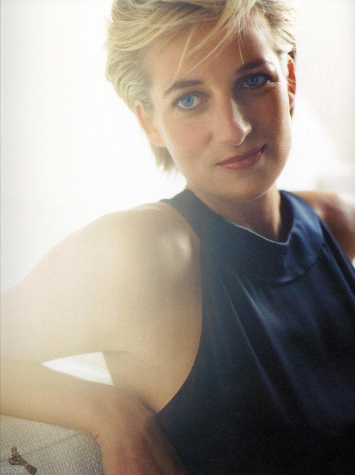 Принцесса Диана (Princess Diana) в фотосессии Марио Тестино (Mario Testino) в Кенгсингтонском дворце, фото 20