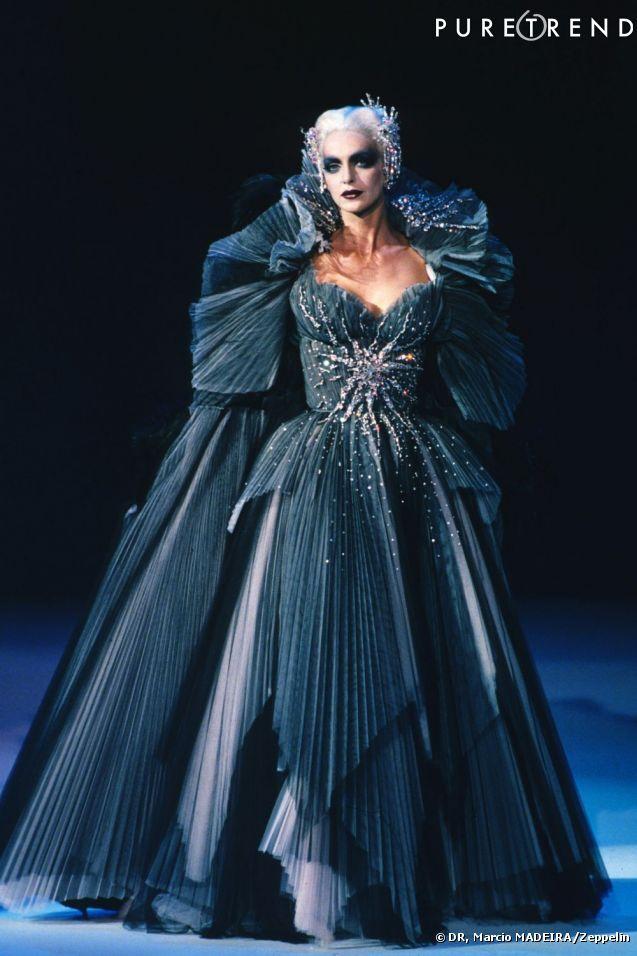 Haute couture automne/hiver 1997/1998.