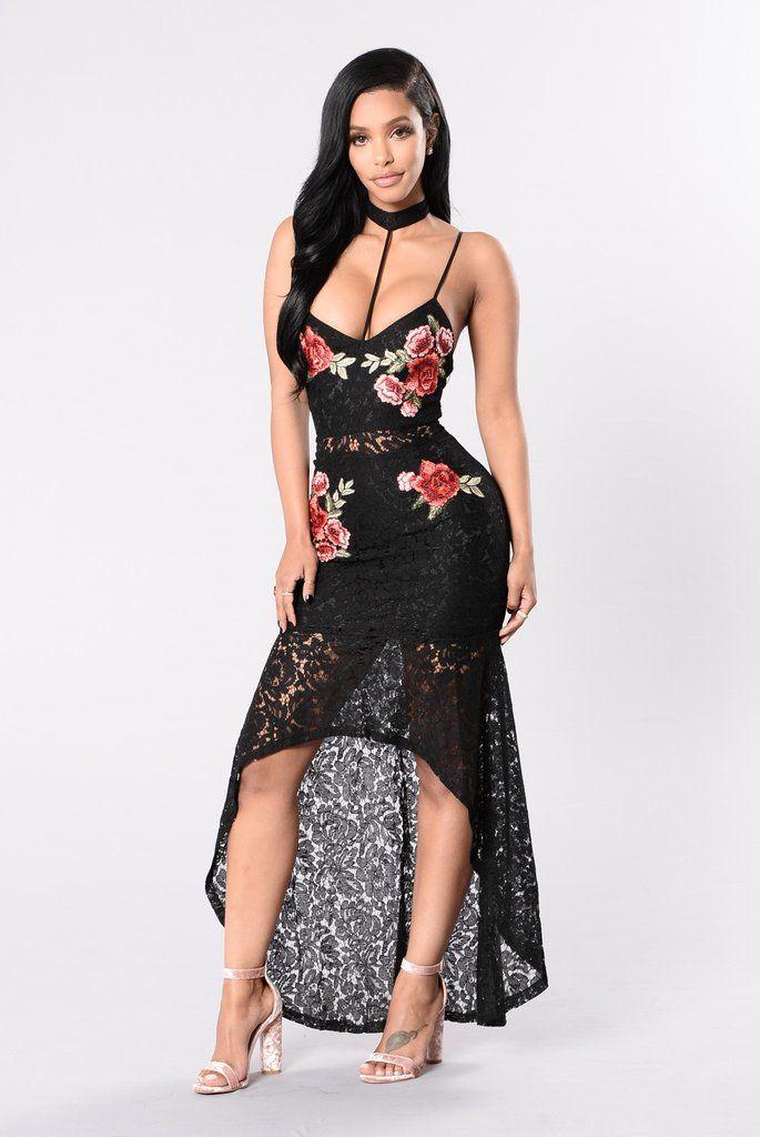 - Available in Black - Lace Maxi Dress - Spaghetti Straps - V Neckline - Choker - Embroidery - High Low Hemline - 70% Nylon 30% Cotton