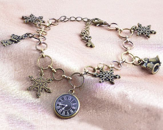 Charm Bracelet The Winter's Tale with snowflakes clock by LeKoLe
