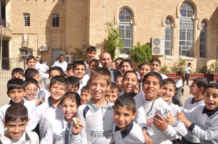 Impressionnant chant du Notre Père en araméen, la langue du Christ. Photos Hubert Debbasch prises à Mossoul en avril 2013