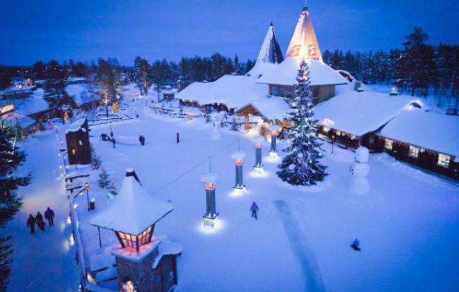 ¿Viajar en Navidad? No hay mejor destino que el pueblo donde vive Papá Noel.
