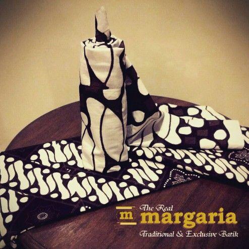 Batik Jogja motif parang melambangkan kepemimpinan yang kuat