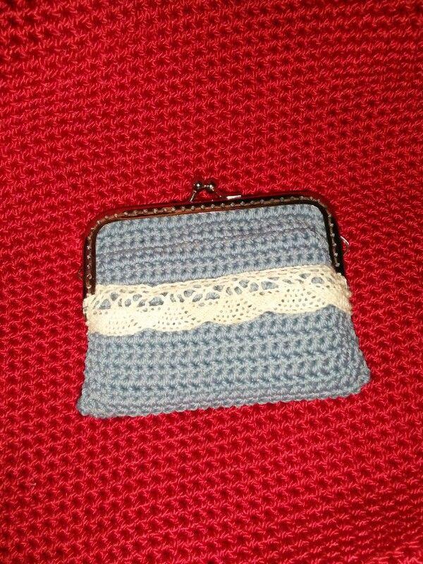 Frame pouch crochet