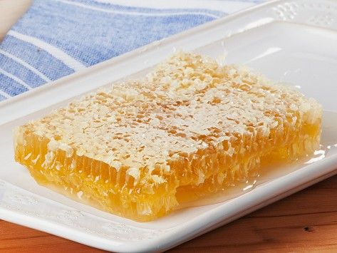 Raw Acacia Honey Tray by Savannah Bee