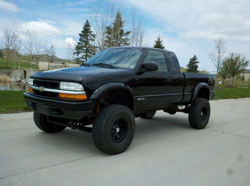02 Chevy S10 ZR2 4x4 ext cab 5 speed MANUAL new clutch  6